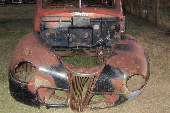 1941 Ford 2 dr sedan
