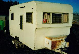 1962 Red Dale 14′ Travel trailer