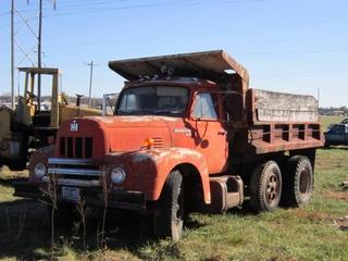 1959 IHC Model R190 dump truck