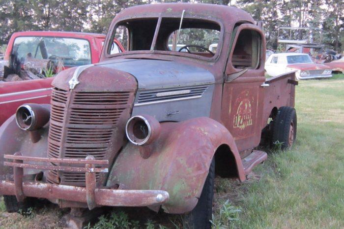 1938 IHC 1 ton truck